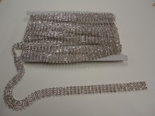 Diamante - Chain 4 Strip- 1M Length