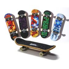 Figurine - Skateboard